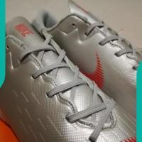 NEW Sepatu Futsal Nike Mercurial Vapor XII Academy Silver Red - TURF