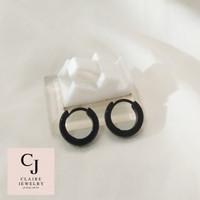 Anting Pria/Wanita Ring Hitam Tusuk Stainless Steel -C026