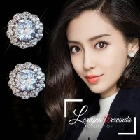 Anting Wanita Titanium Model Bunga Kristal Crystal AT022