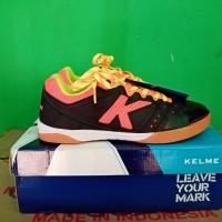 Sepatu Futsal Kelme Feline Evo Black/Orange