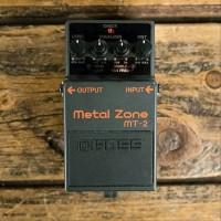 Boss MT2 Metal Zone - Efek Gitar Stompbox