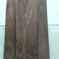 Papan kayu sonokeling
