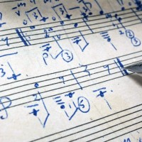 Penulisan Partitur Dengan Teknik Tulis Tangan