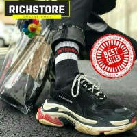 Balenciaga triple s / Sepatu pria / Sepatu sneakers
