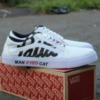sepatu vans old skool patta man eyed cat putih hitam sneakers termurah