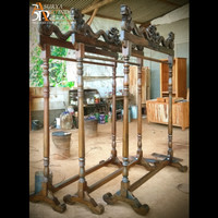 Gantungan / Display / Pajangan Batik / Jilbab / Kain / Baju Ukir Naga