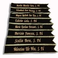 Selempang wisuda beludru hitam Pita Emas atau Perak custom bordir