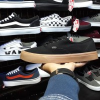 Sepatu Vans Authentic Hitam Sol Gum/Coklat Murah