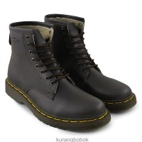 sepatu pria boots DocMart coklat