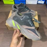 Sepatu Adidas Yeezy Boost 700