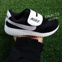 Termuraahh Sepatu Sport Nike Yeezy Anak-Anak Black & White Dmc13