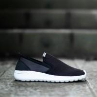 Sepatu Adidas ORIGINAL Cloudfoam Slip On Black White MEN