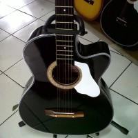 Gitar akustik Black buat pemula cocok juga buat kado