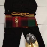 baju adat Sulawesi barat dewasa