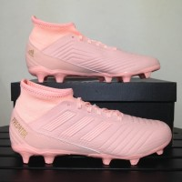 Sepatu Bola Adidas Predator 18.3 Trace Pink DB2002