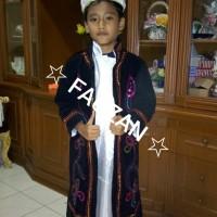 Baju adat anak jubah beludru betawi