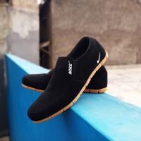 Sepatu Sneakers Sport Nike Boston Original Import Vietnam