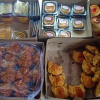 kue basah premium kering snack box pastry bolu gulung lapis legit