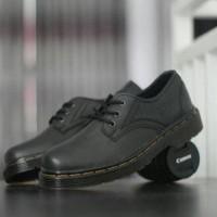 Dr Martens Low Docmart Hitam Sepatu pria Pendek 3Hole Pantofel Hiking