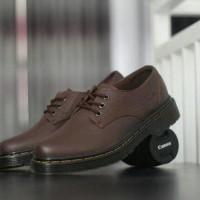 Dr Martens Low Docmart Coklat Sepatu pria Pendek 3Hole Pantofel Hiking