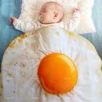 Selimut Bayi Telor Ceplok Hadiah Baby Shower bisa untuk Hiasan Ruangan