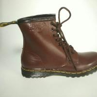 Sepatu Boots Docmart wanita brown ( 100% Kulit Asli)