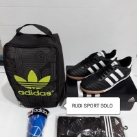 Paket Sepatu Futsal Adidas Bahan Kulit