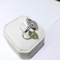 Cincin emas putih 75% berat 3 gram ukuran 13 dan 14. White gold rings