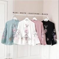 Baju motif bunga / Blouse putih / Atasan muslim wanita : Japan top