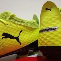 STOK TERAKHIR Sepatu Bola Soccer Puma One 17 1 Safety Yellow B12sb981