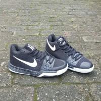 Nike Kyrie Irving 3 Black White Import / Sepatu Basket Pria
