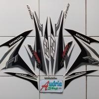 Striping Stiker Motor Honda Vario Techno Cw FI 125 2014 Putih-Hitam