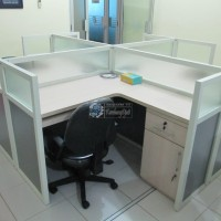 Meja Partisi Kantor office cubicle
