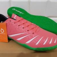 ORIGINAL Sepatu Futsal OrtusEight Blitz IN Light Red / White / Green