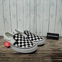 Sepatu Vans Slip On Checkerboard Hitam Putih Premium