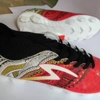 Sepatu Bola Specs Heritage Emperor Red Gold White Original