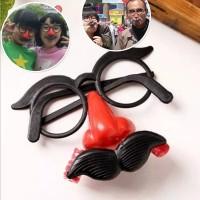 kacamata hidung terompet badut