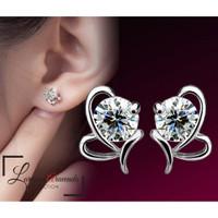 Anting Wanita Titanium Motif Butterfly Kristal Crystal Anti Karat AT57