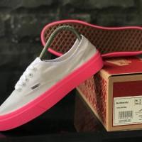 sepatu casual wanita vans authentic grey sol pink
