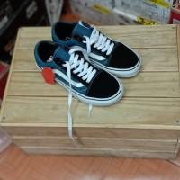 sepatu sneeakers vans old school navy blue
