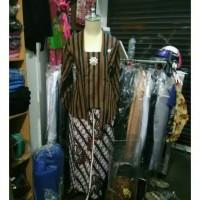 Setelan Kebaya dan Jarik khas Solo Jogja/Baju Adat Wanita Jogja Solo