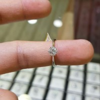 cincin berlian wanita emas putih 75%