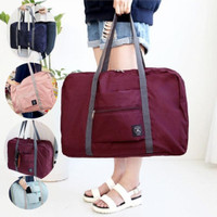 Travel Bag Besar Praktis bisa dilipat dan diselipkan ke handle koper