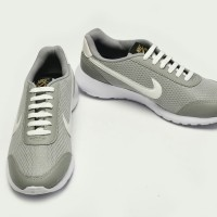 sepatu Jumbo pria sneaker big Size 49 48 47 46 45 44......
