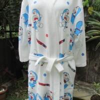 Handuk Baju Kimono Mandi Karakter Doraemon Lis Bawah-Size Dewasa