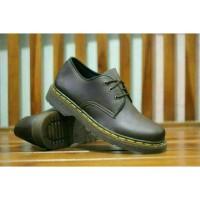 Sepatu boot Dr. Martens Docmart low boots murah maroon black brown cas