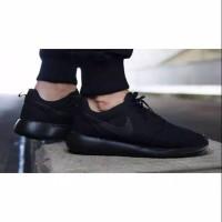 SEPATU PRIA WANITA Sepatu Sekolah Nike Rosherun Classic Hitam Polos