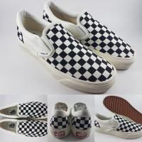 Sepatu Kets Vans OG Slip On Checkerboard Black White Catur Hitam Putih