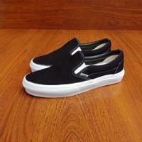 sepatu vans slipon black white mono termurah cowok casual tanpa tali