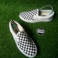 Sepatu Vans Kotak-kotak Black White Murah